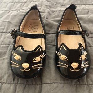 GAP Cat shoes. Size 7 toddlers